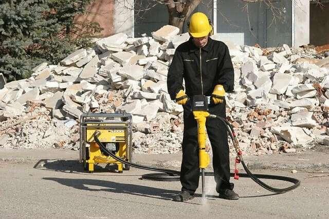 Купить отбойные молотки для разрушения бетона